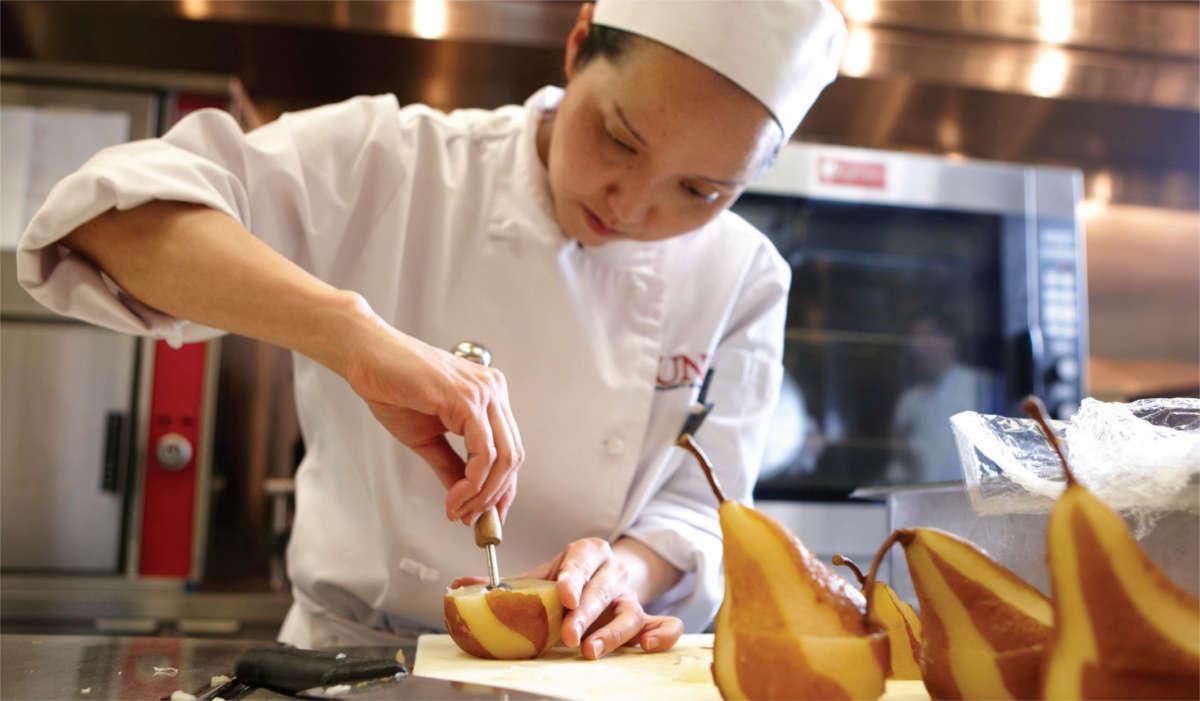 UNLV culinary student
